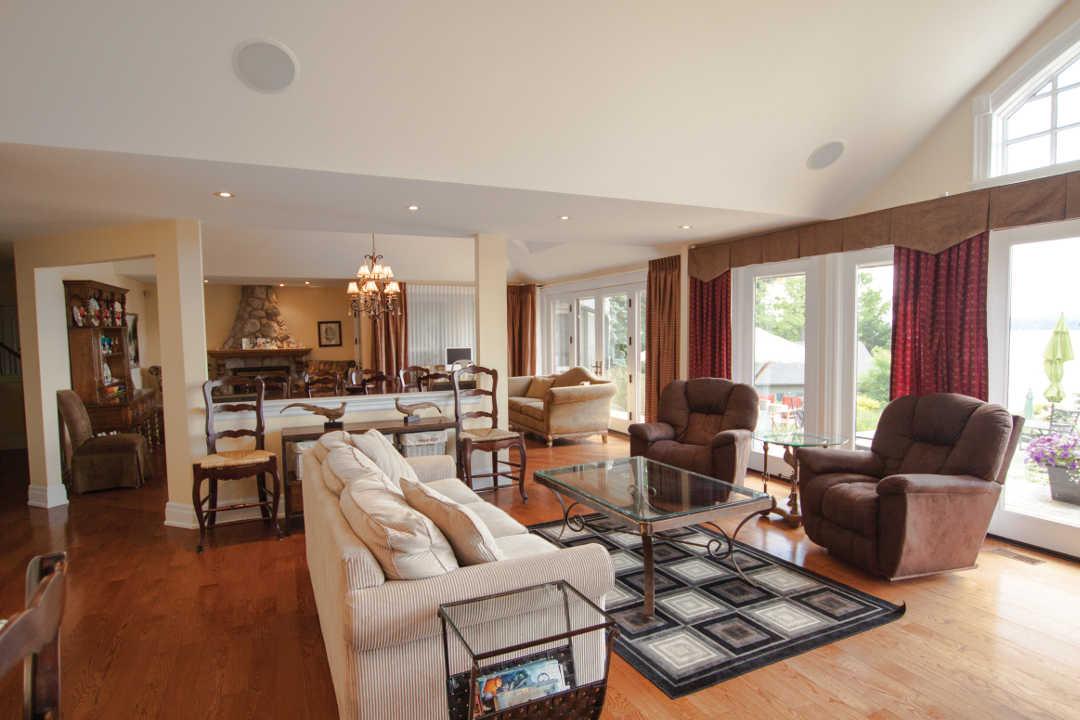 Luxurious Ontario Home